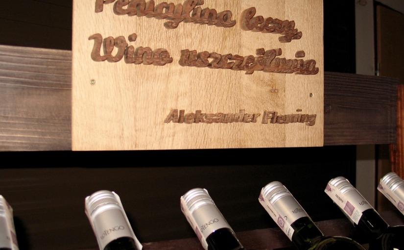 Tabliczka na regał z winem
